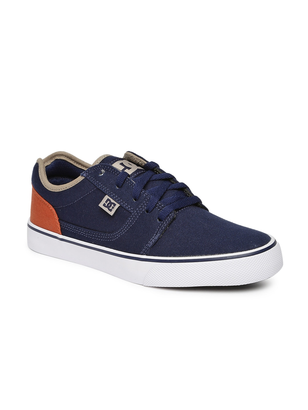 3467f2efe0 DC Shoes - Buy DC Shoes for Men   Women Online in India