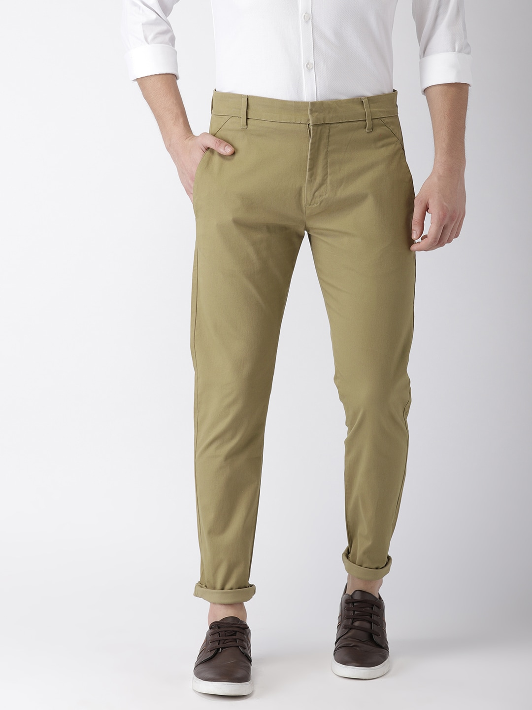 what color to wear with brown pants