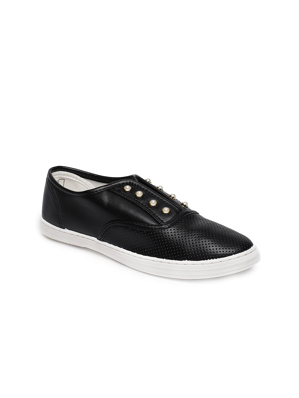 852e3cd95e4de2 Ginger by Lifestyle Women Black Slip-On Sneakers