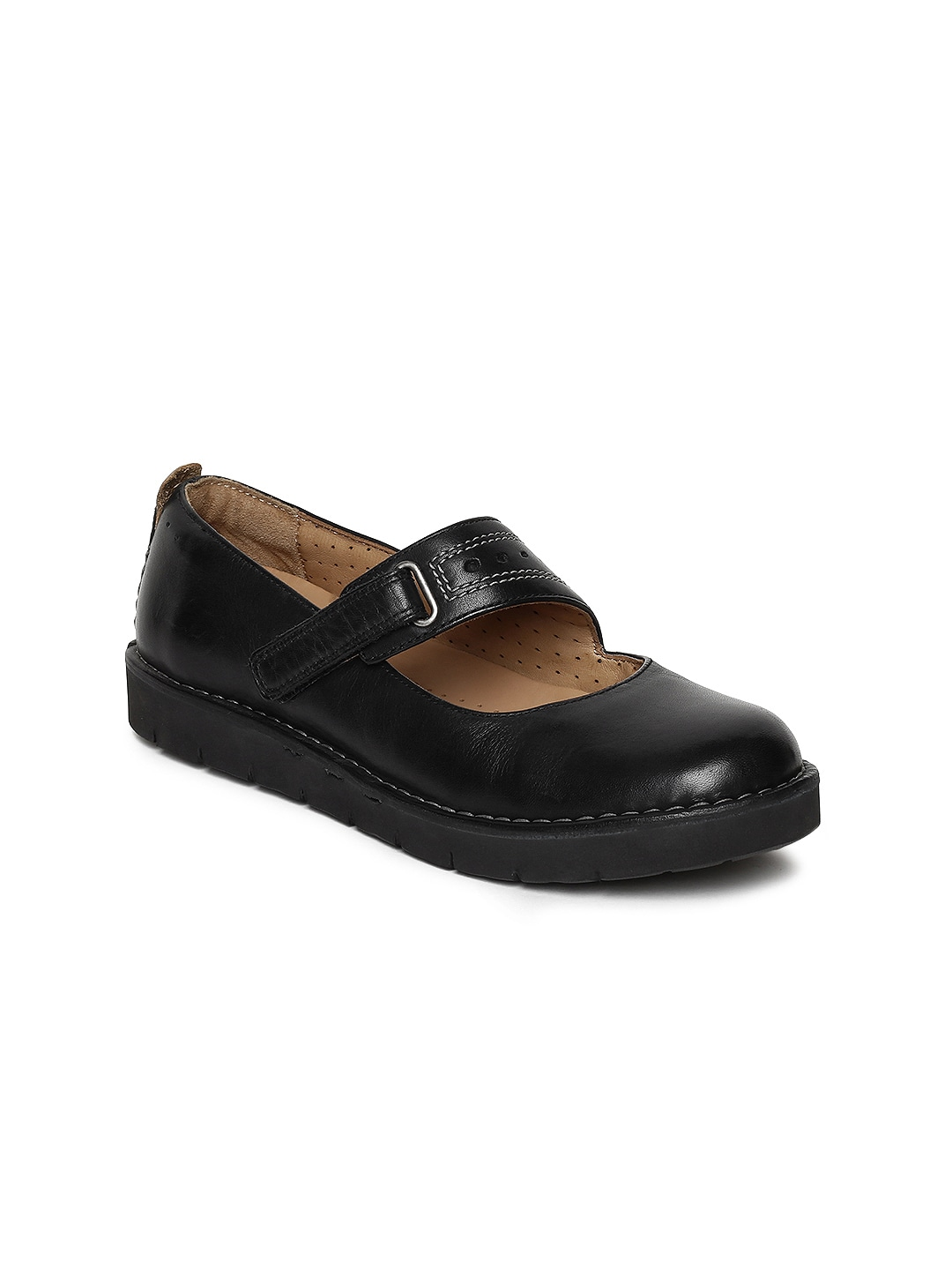78f3e7b403bf4e Women s Clarks Shoes - Buy Clarks Shoes for Women Online in India