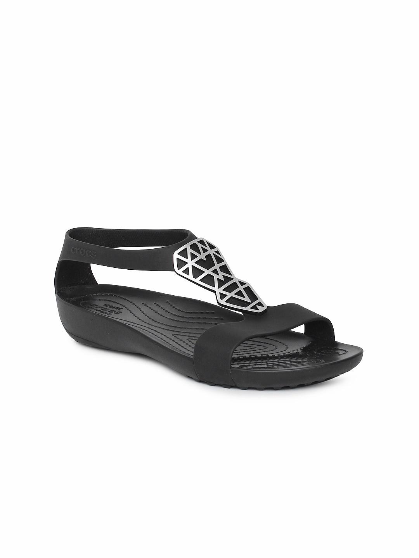 0c0c016f0e33 Crocs Shoes Online - Buy Crocs Flip Flops   Sandals Online in India - Myntra