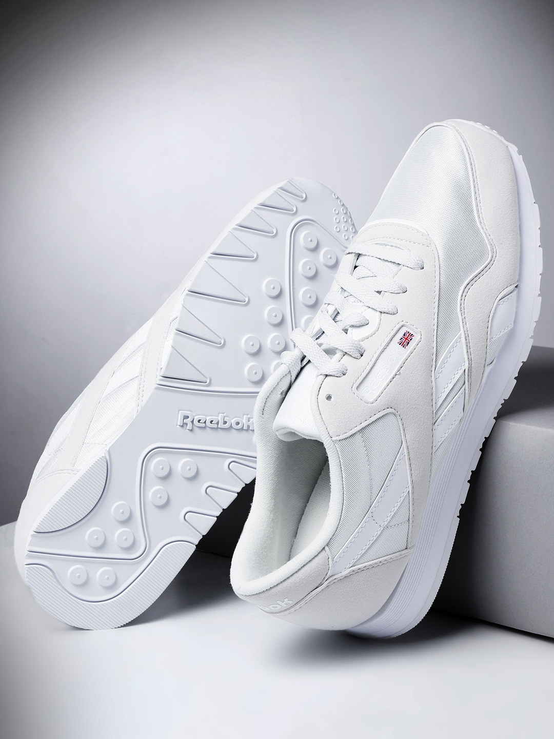 f75e68376ef5f Reebok Shoes Red And White - Buy Reebok Shoes Red And White online in India