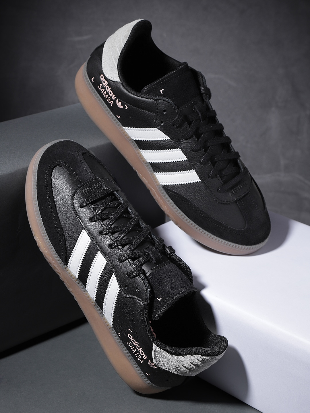 a8cb5a5218e537 Adidas Casual - Buy Adidas Casual online in India