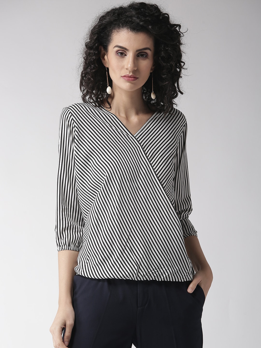 9f2467e77dbd7 Puff Sleeves Apparel - Buy Puff Sleeves Apparel online in India