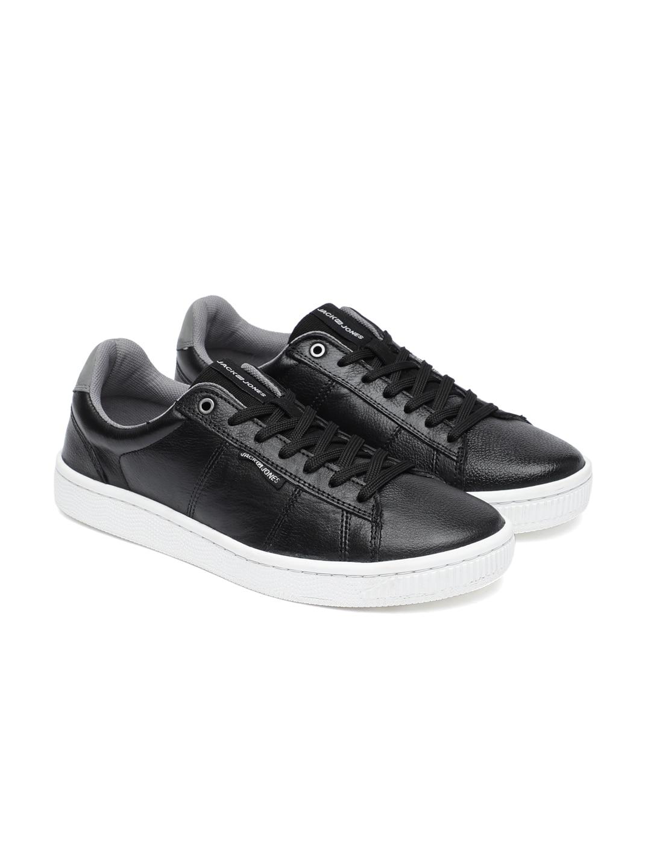 Sneakers Online - Buy Sneakers for Men   Women - Myntra ba442c787f83