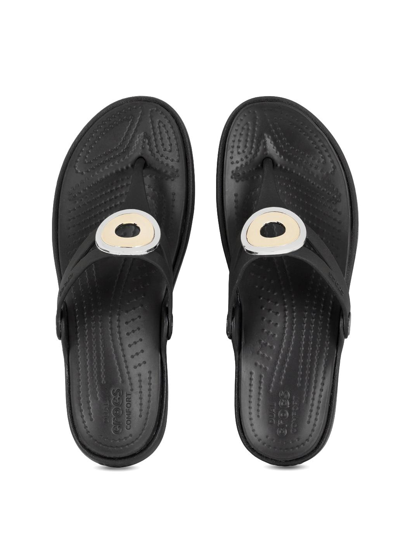 bea74d8c873cf1 Crocs Shoes Online - Buy Crocs Flip Flops   Sandals Online in India - Myntra
