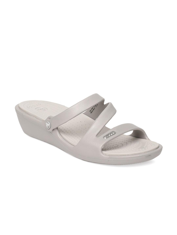 851d7b17b97e Crocs Shoes Online - Buy Crocs Flip Flops   Sandals Online in India - Myntra