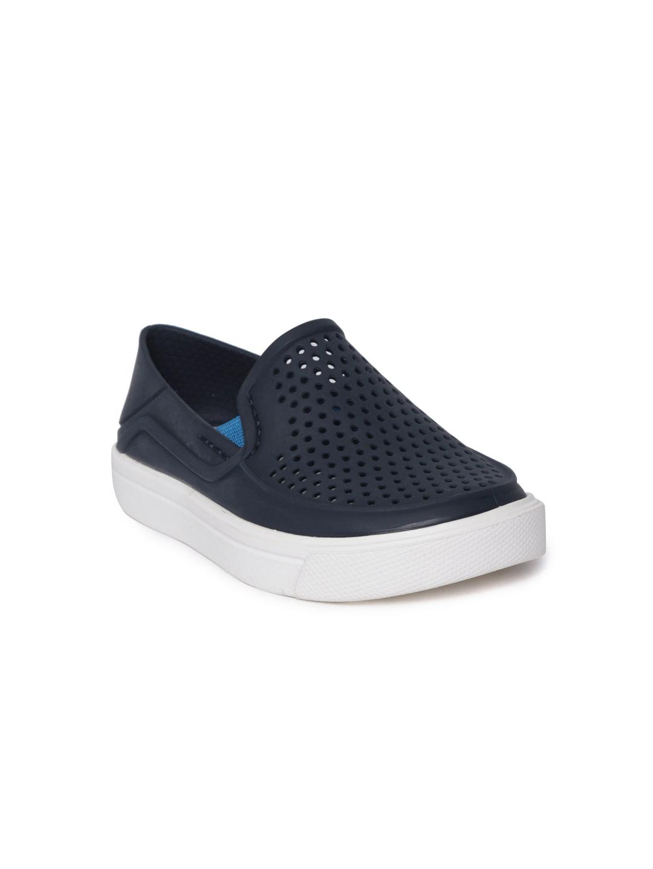 1e9332326d36 Crocs Shoes Online - Buy Crocs Flip Flops   Sandals Online in India - Myntra