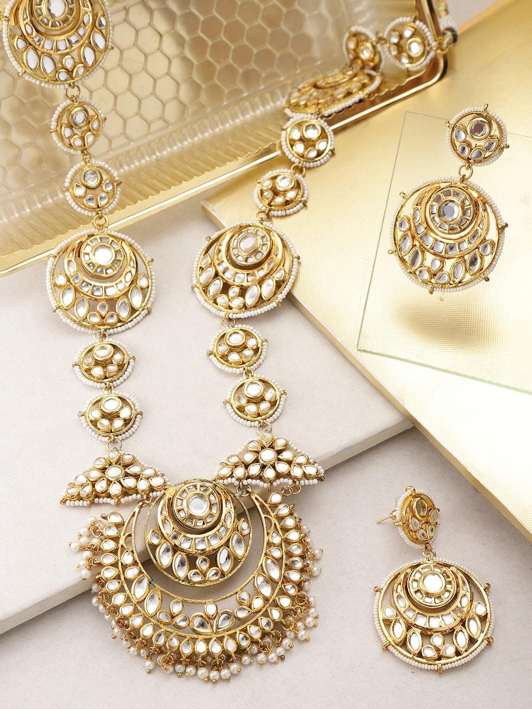 c5cc3a0c6fa04 Melani Borsa Off-White Gold-Plated Kundan-Studded Handcrafted Jewellery Set