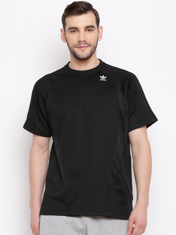 cheap for discount f5b82 12e4d ADIDAS Originals Men Black Solid Round Neck T-shirt