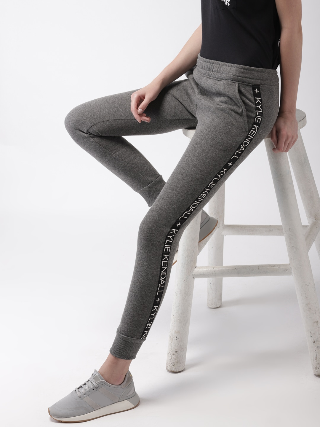 7fae2fa49cf7 Women s Trousers - Shop Online for Ladies Pants   Trousers in India ...