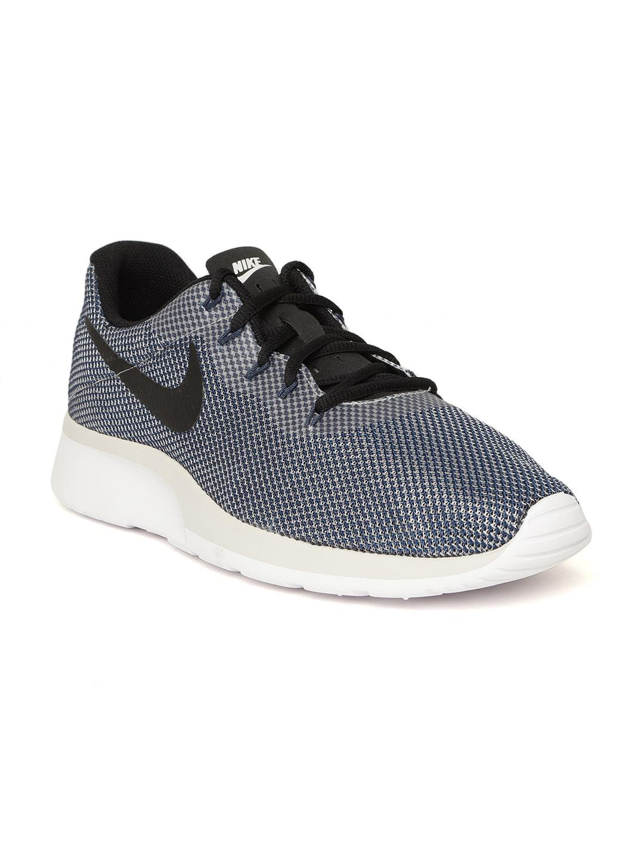 e5c6b0a6797 Nike Football Shoes - Buy Nike Football Shoes Online At Myntra