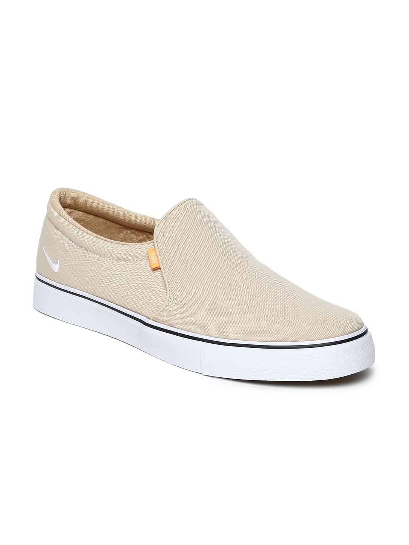 5a11d139f Nike Canvas Shoes
