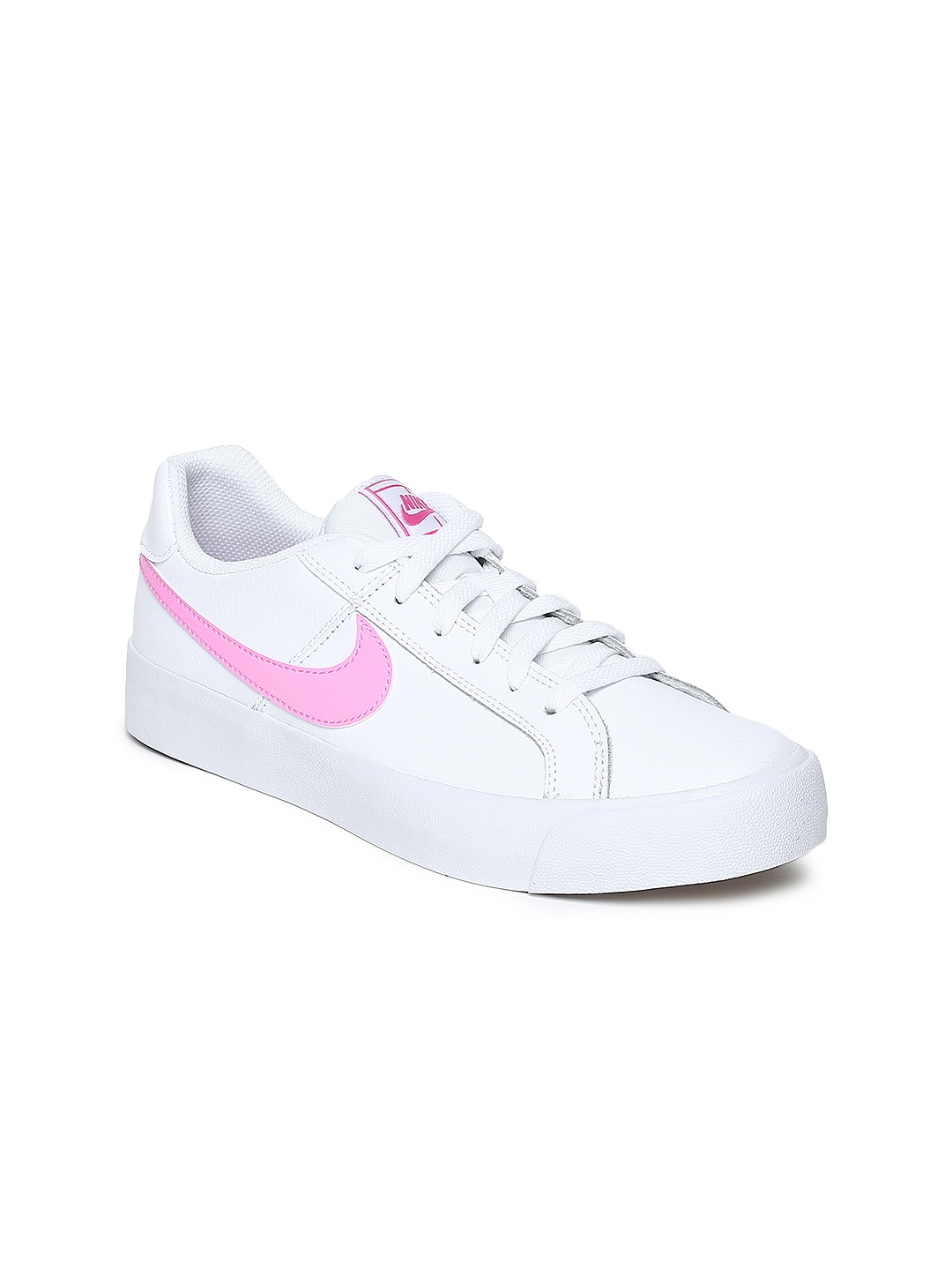 01277610cab Nike White Casual Shoe - Buy Nike White Casual Shoe online in India