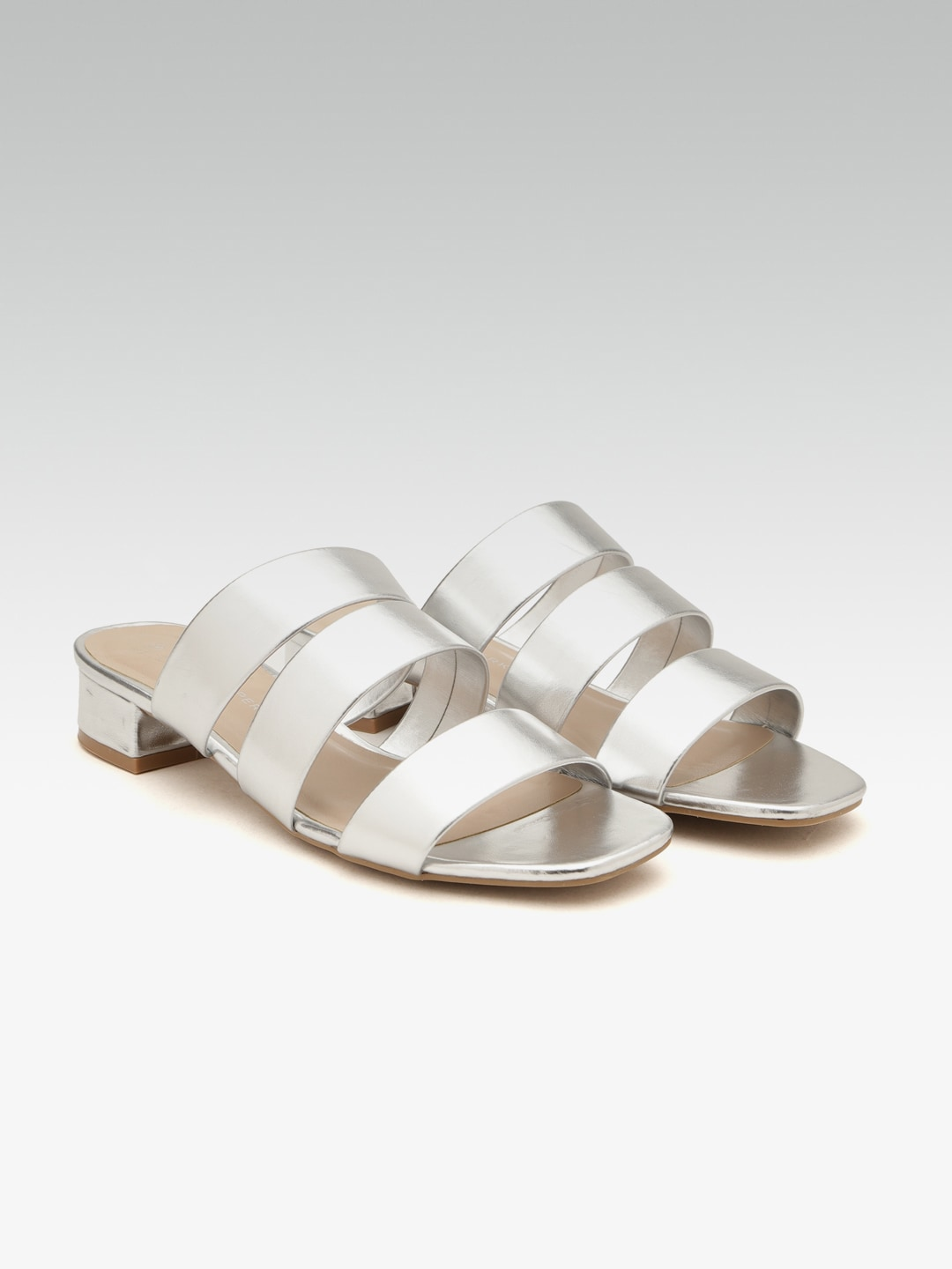 6bc05aa74579e Girl silver bling flip flops available on our FB page Mini Diva