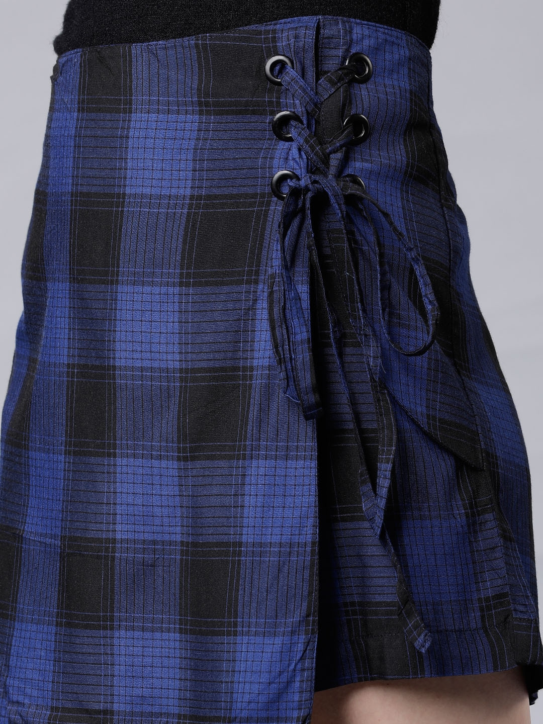Tokyo Talkies Women Blue & Black Checked Divided Skirts