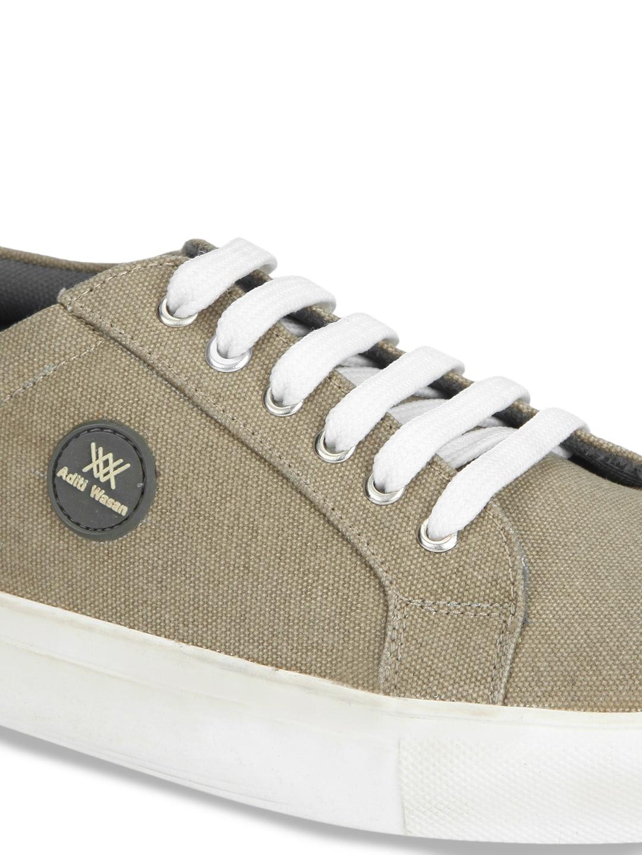 Aditi Wasan Men Khaki Solid Sneakers