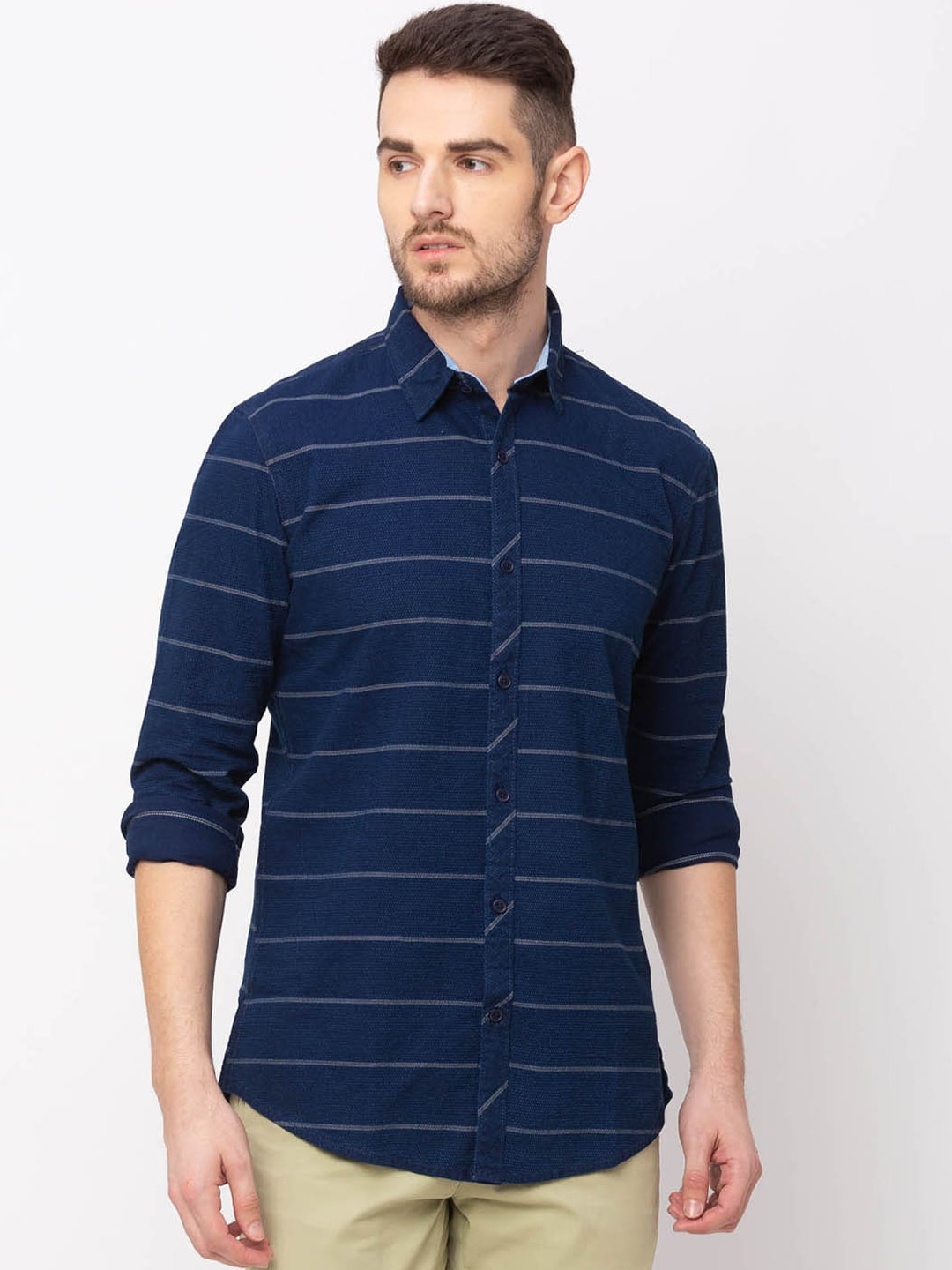 Globus Men Blue Regular Fit Striped Casual Shirt