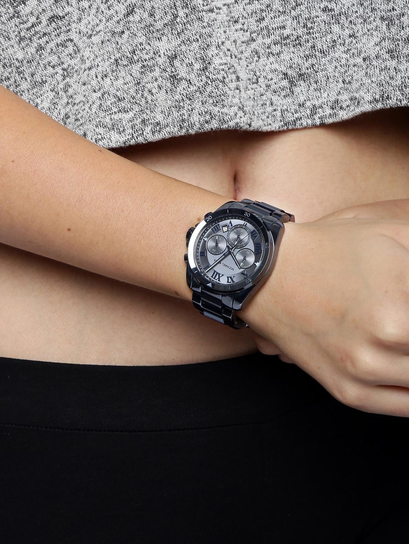 http://assets.myntassets.com/h_1440,q_95,w_1080/v1/assets/images/1384520/2016/7/8/11467971047048-Michael-Kors-Women-Gunmetal-Toned-Dial-Chronograph-Watch-MK6361-2931467971047014-5.jpg