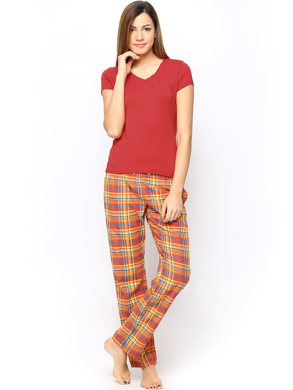Myntra undercolors of benetton women red t shirt 596312 for Shop online benetton