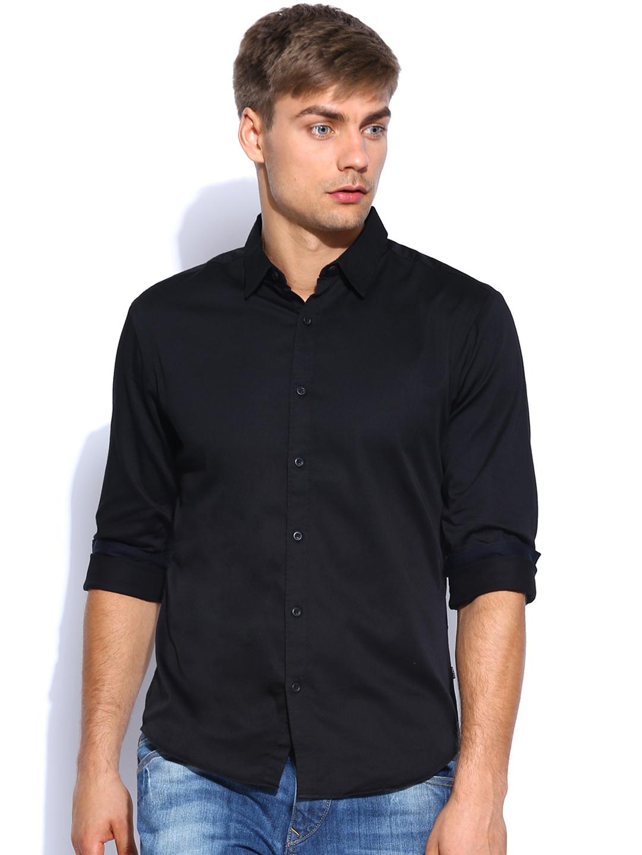 Myntra levis men black slim fit casual shirt 682779 buy for Mens black levi shirt