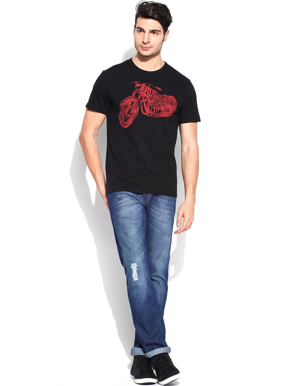 Myntra levis men black printed t shirt 682796 buy myntra for Mens black levi shirt