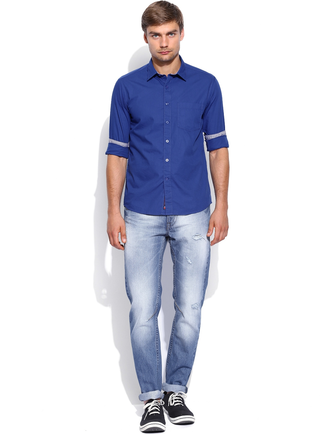 Myntra vivaldi men blue tailored fit casual shirt 687647 for Best online tailored shirts