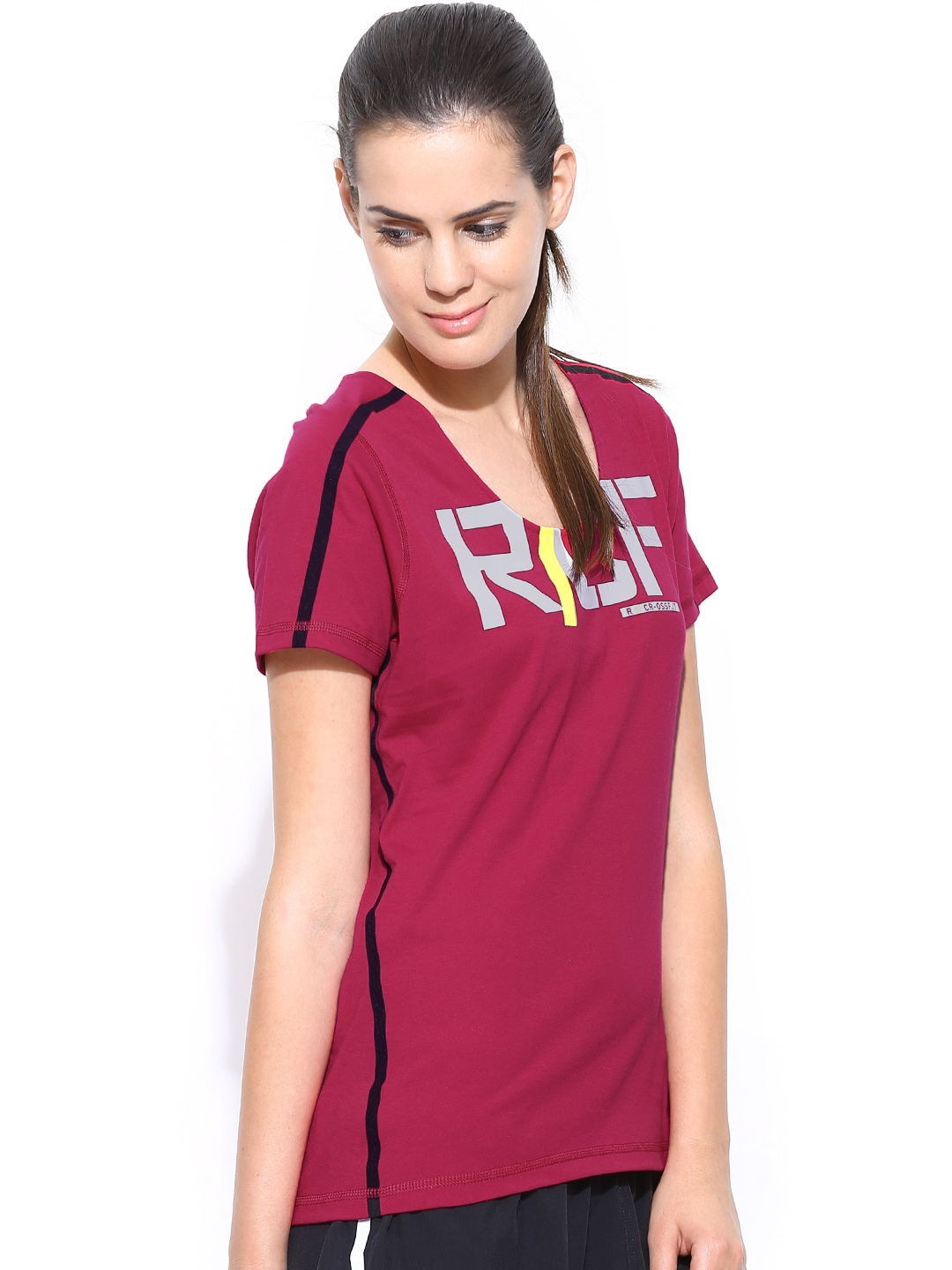 myntra reebok women magenta rcf ss perf t printed training t shirt 708627 buy myntra reebok. Black Bedroom Furniture Sets. Home Design Ideas