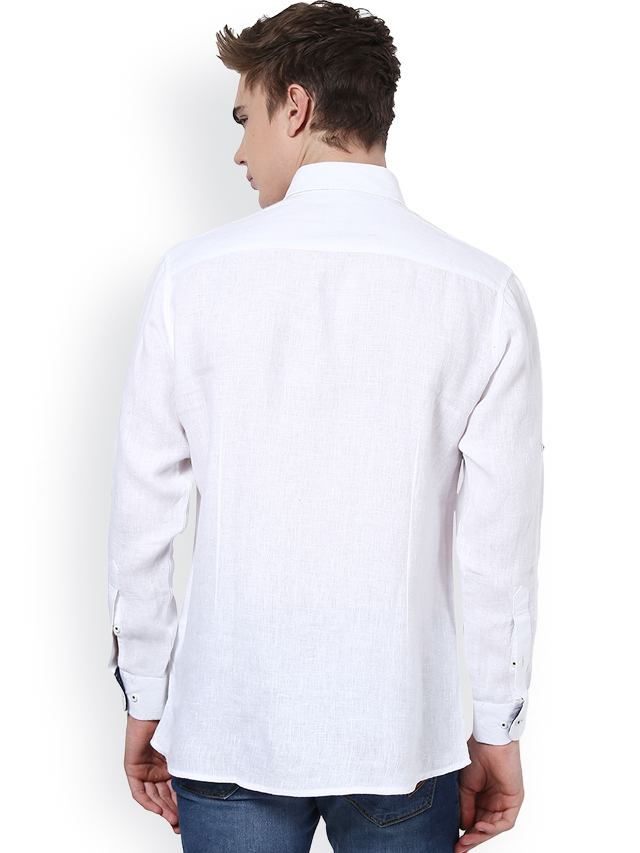 Myntra monteil munero men white slim fit linen casual for Slim fit white linen shirt