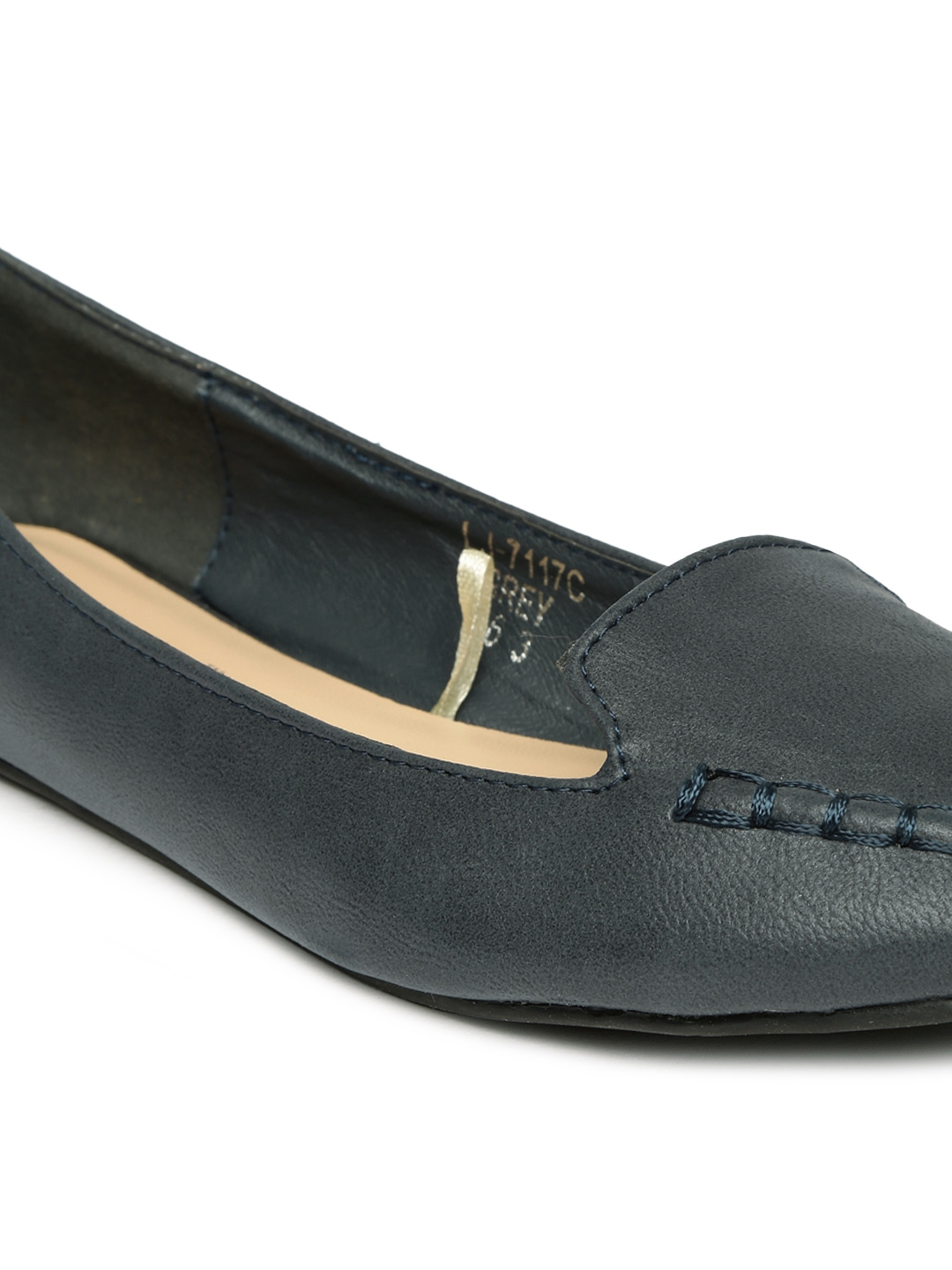 Welcome to SoftWalk, classy comfortable women's shoe styles in range of sizes and widths. FREE Shipping and FREE Returns.