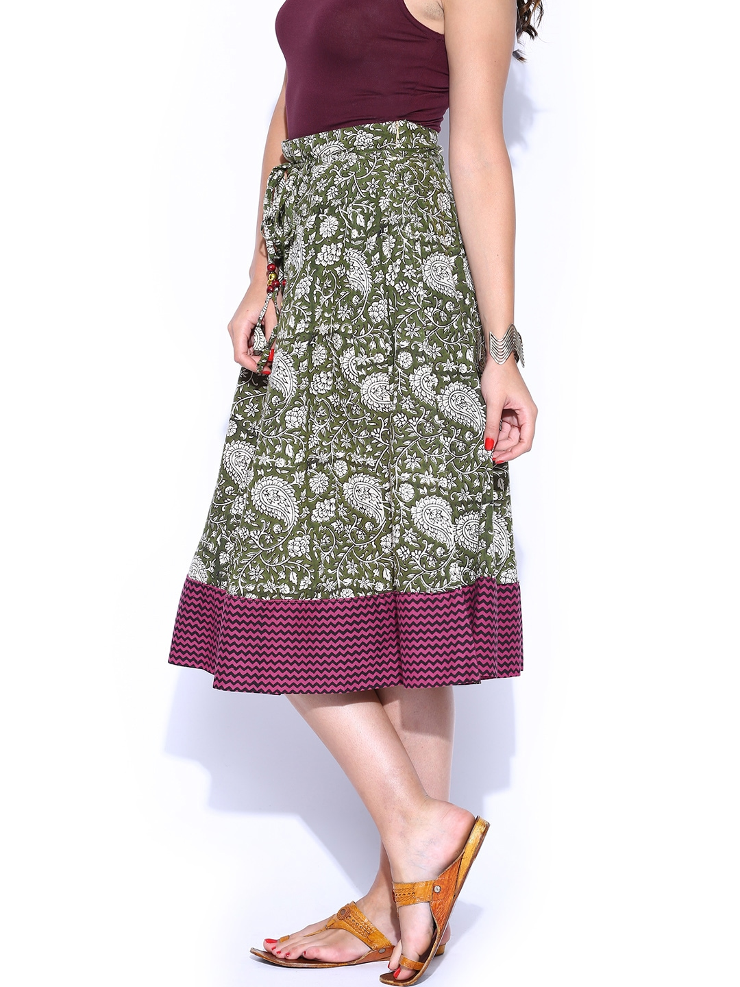 Find the latest and trendy styles of green midi skirt at ZAFUL. We are pleased you with the latest trends in high fashion green midi skirt.