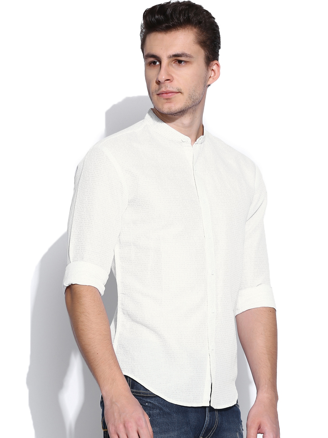Myntra levis off white printed linen slim fit casual shirt for Slim fit white linen shirt