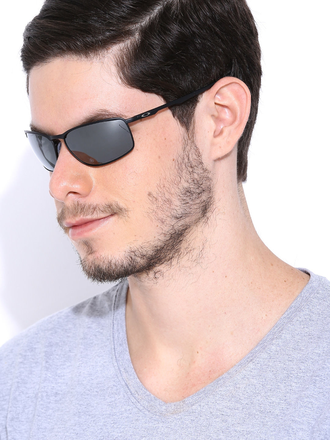 How to wear: mirrored sunglasses