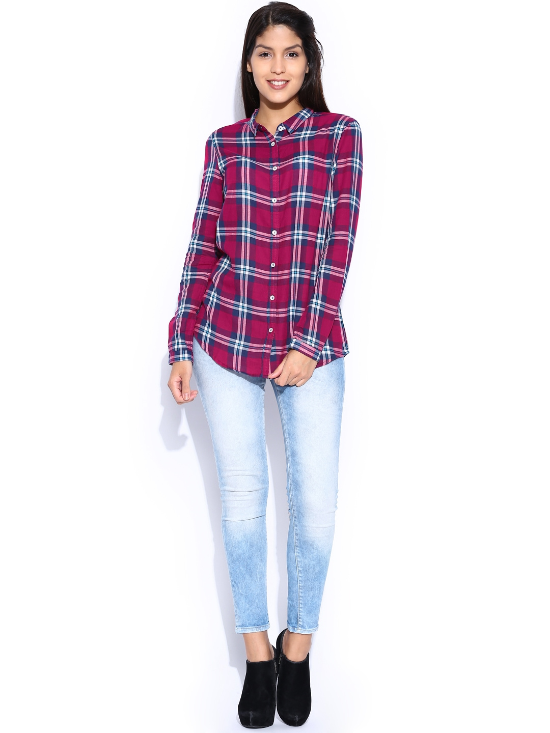 Myntra voi jeans magenta navy checked comfort fit shirt for Shirts online shopping lowest price