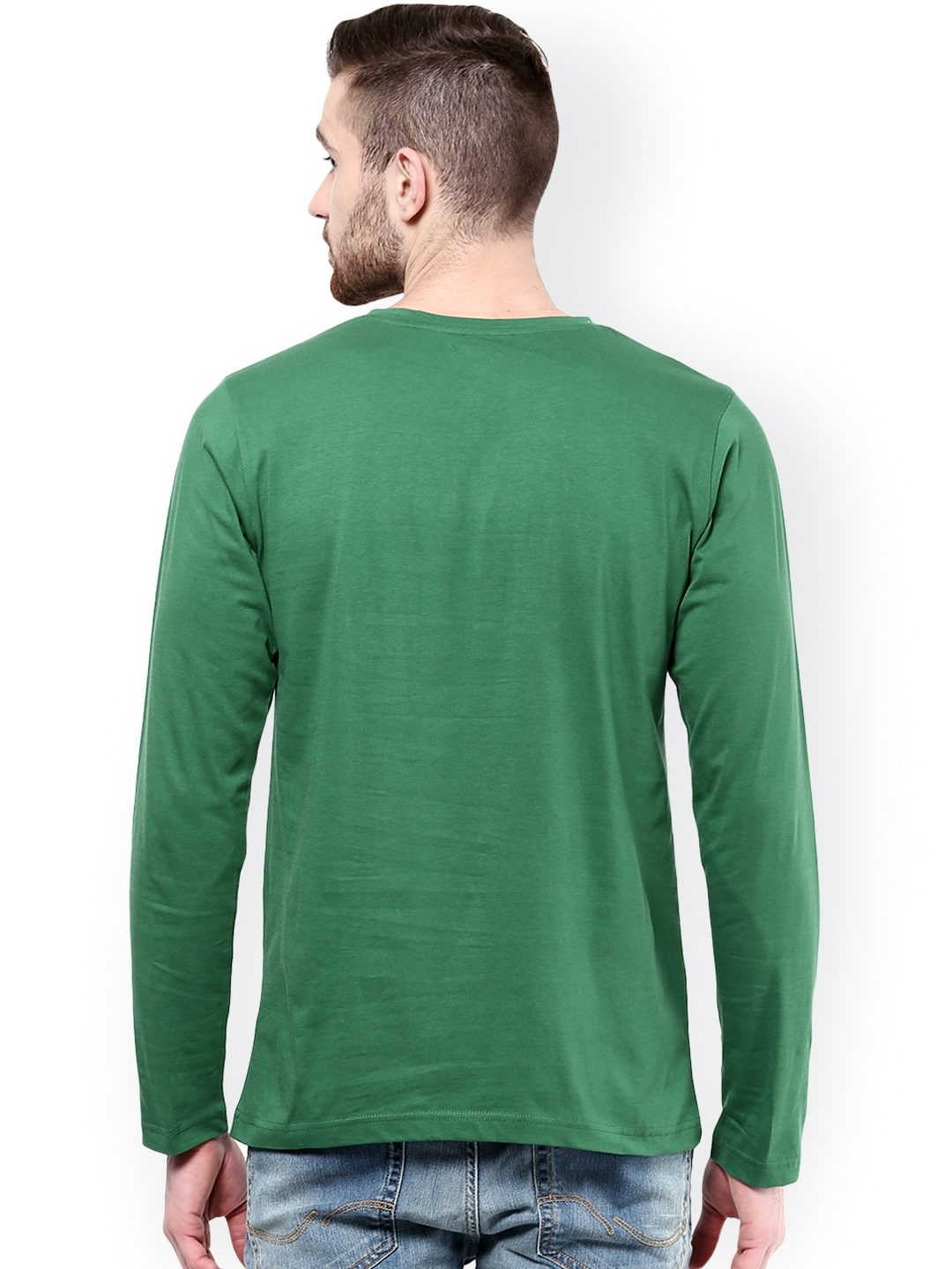 Henley neck T-shirts got its distinctive name because this style of shirt was the traditional uniform of rowers in the English town of Henley-on-Thames. Nowadays they are worn by many people such as college students, professionals, athletes, musicians, actors and fashion conscious people.
