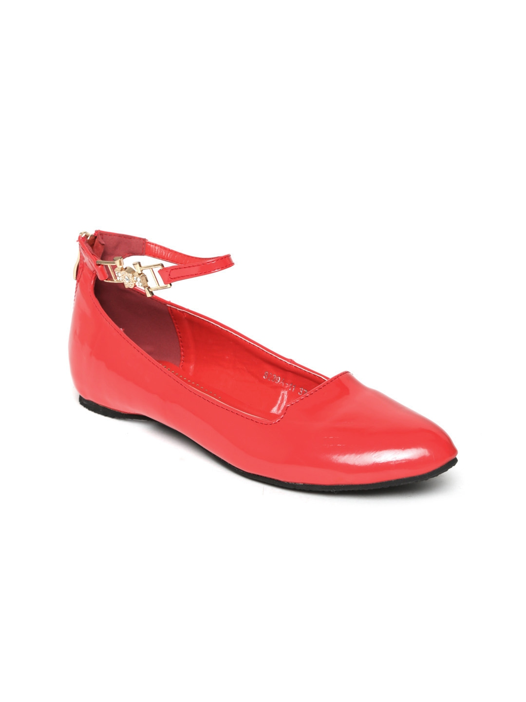 Red Flat Pointy Toed Shoes