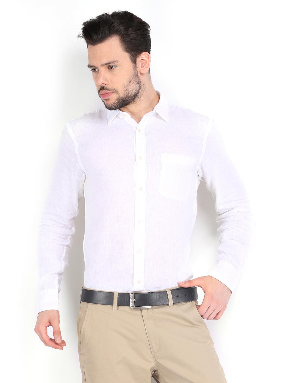 Myntra izod men white linen slim fit casual shirt 523627 for Slim fit white linen shirt