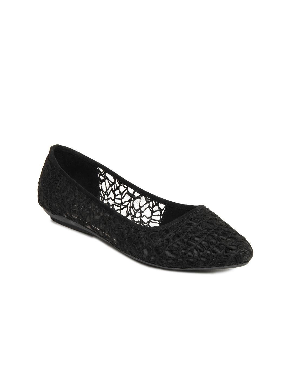myntra inc 5 black flat shoes 254702 buy myntra