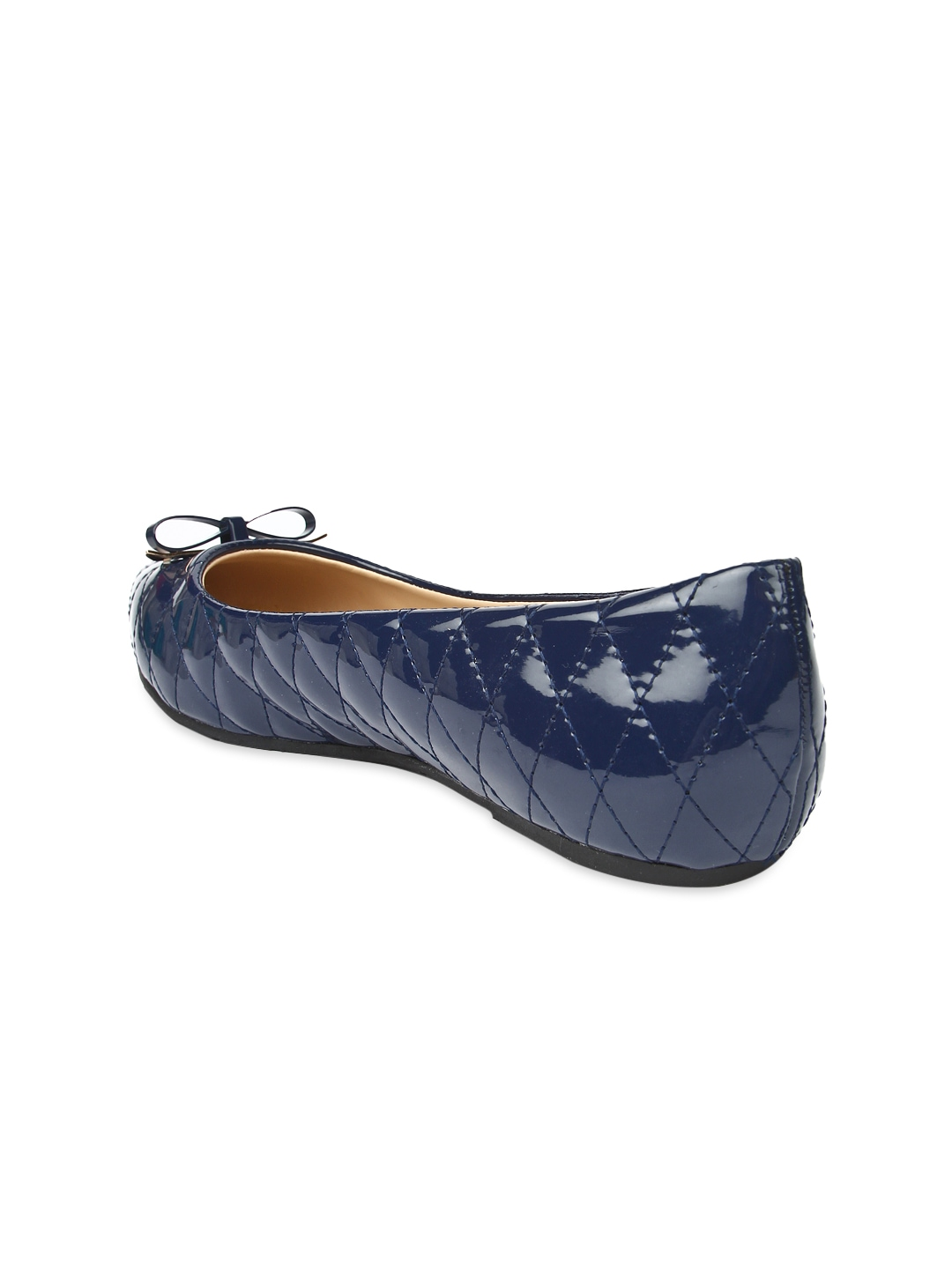 Excellent Pre-owned condition. Old Navy pointed ballet flat shoes size 6 M. All materials are man made. Furry Velvet detail finish on the toes (Navy blue) sides are black.