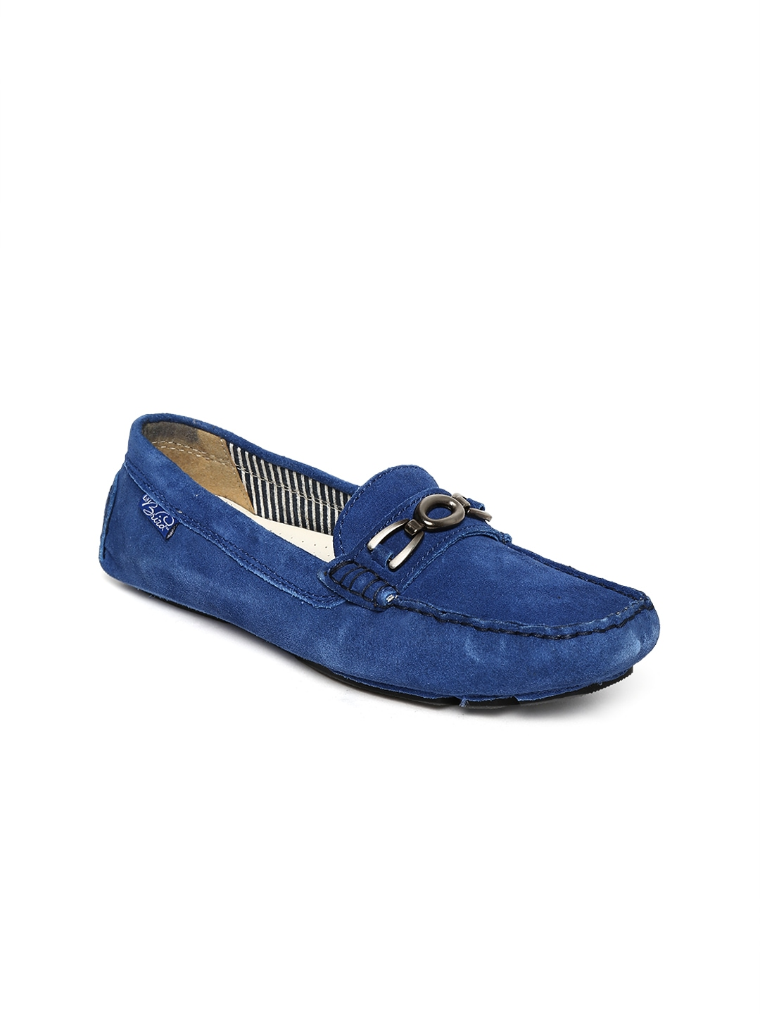 Mens Loafers Men's Loafers The Loafer is the archetype of the casual shoe - easy to wear, comfortable to use, and effortlessly stylish in all its many forms from the Weejun to the Penny Loafer to the Butterfly Loafer, the Pump Loafer and the Kilty Loafer.