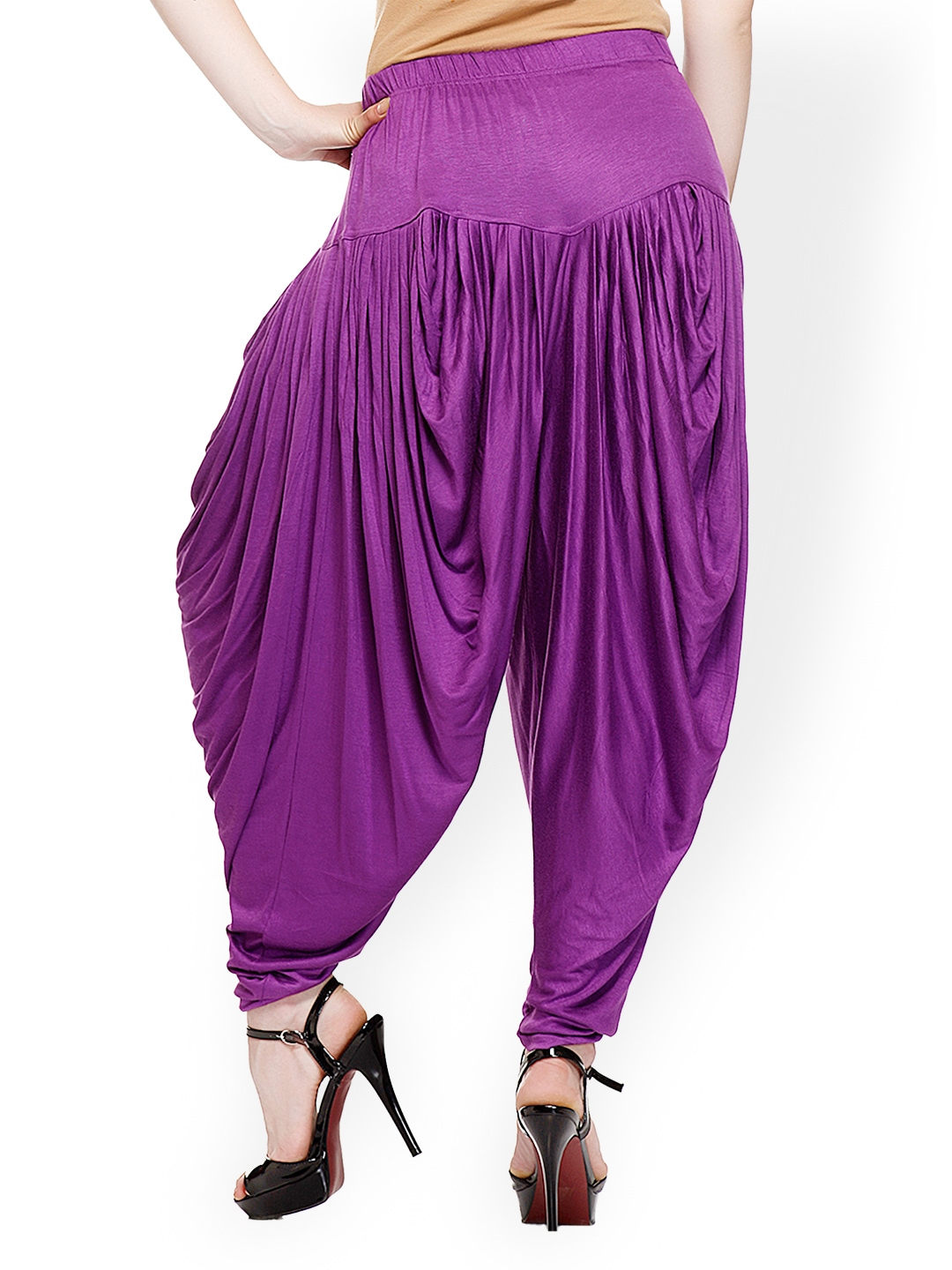 Latest Collection of Harem pants online for women and girls, available in authentic colors like black and white including Harem trousers patterns like denim, plus size and silk at cheap prices in India.