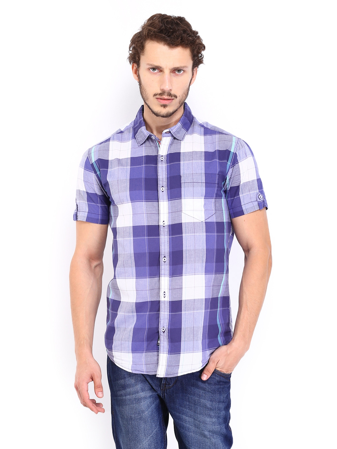 Slim Fit: cut close to the body, with fitted sleeves and higher armholes; 5¼