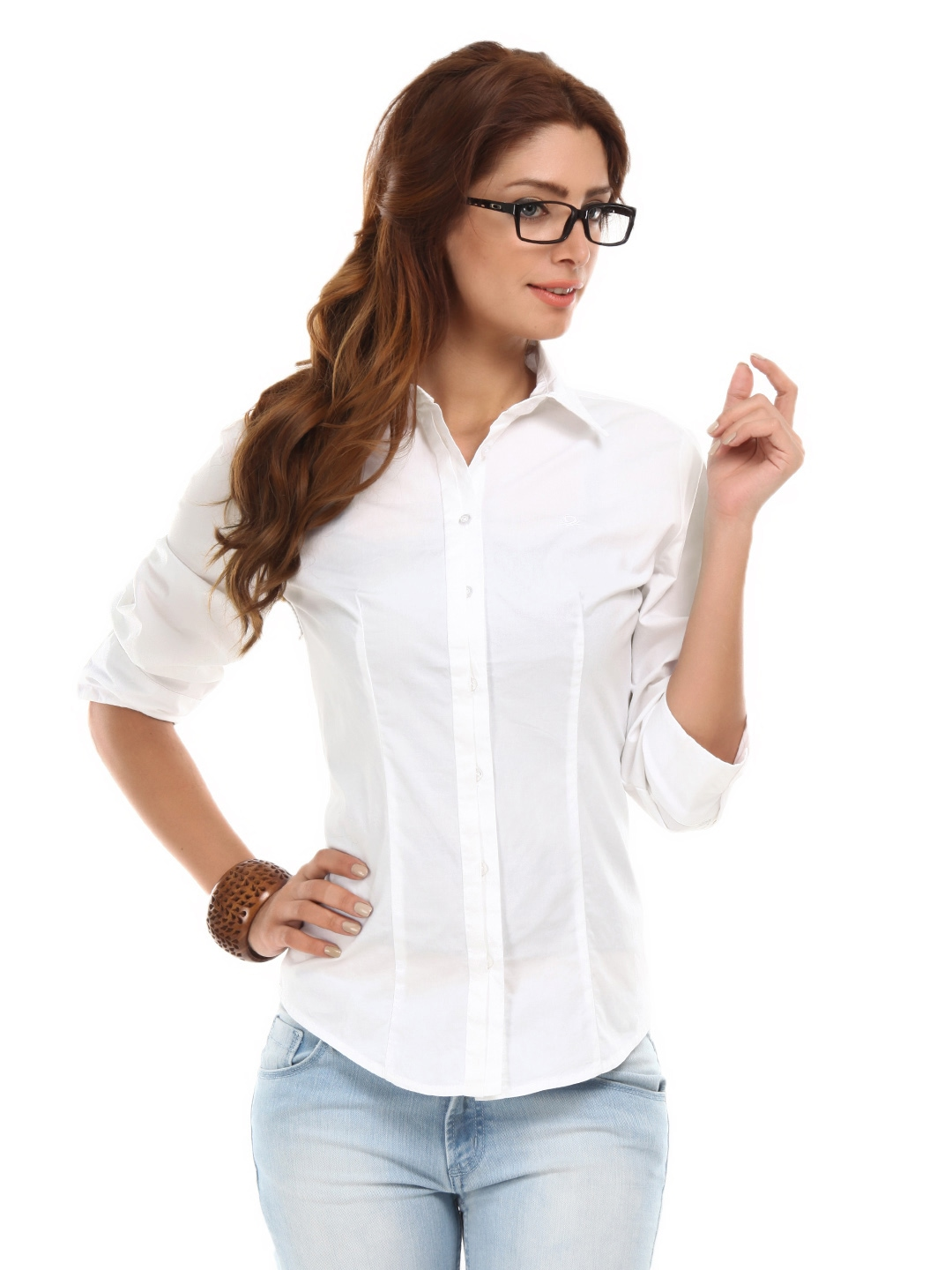 female white shirt artee shirt