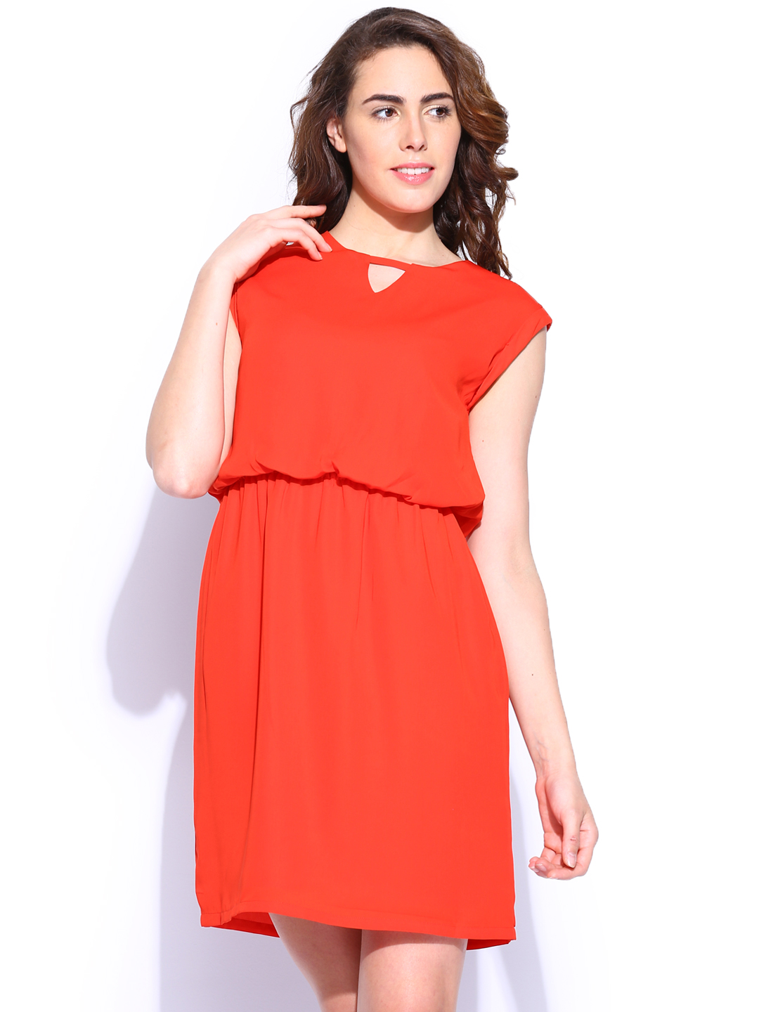 Excellent Womens And Kids Clothing, Footwear, Accessories, Handbags And More From Top Brands Like Tommy Hilfiger, FOREVER 21, Allen Solly, Van Heusen, Steve Madden, American Tourister And More