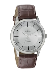 Titan Men Steel-Toned Dial Watch 1584SL03