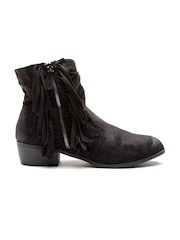 Qupid Women Black Heeled Boots with Tassels