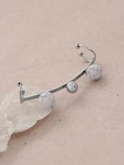 DressBerry Silver-Toned Ear Cuff