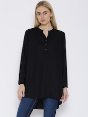 Vaak Black Tunic
