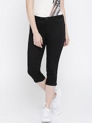 Vero Moda Women Black Solid Super Slim Fit Capris