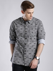 Tommy Hilfiger Black & White Printed Casual Shirt